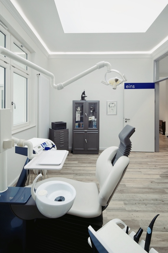 Zahnarztpraxis Lüttge Leipzig Gohlis Behandlungszimmer